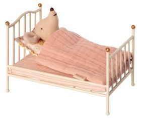 Maileg vitage bed mouse